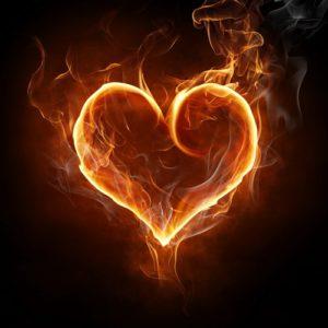 Совместимость имени Эсмеральда, проявление в любви